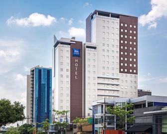 Ibis Budget Manaus - Manaus - Building
