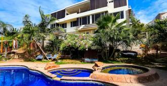 ME Hotel in Montañita Estates - Montañita (Guayas) - Piscina