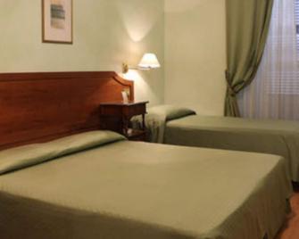 Hotel Fiori - Rom - Schlafzimmer