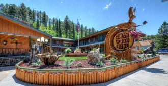 Cedar Wood Inn - Deadwood - Building