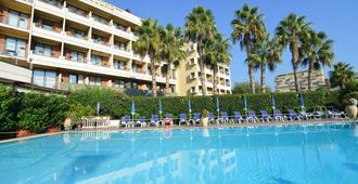 Hotel Nettuno - Catania - Bể bơi