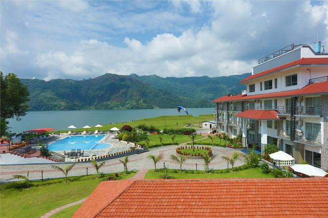 Waterfront Resort By Kgh Group - Pokhara - Vista del exterior
