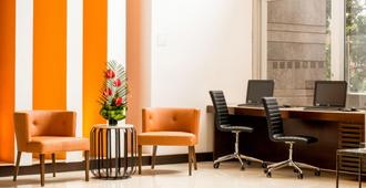 Holiday Inn Bogota Airport - Bogotá - Business center