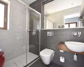 Quaint Hotel Nadur - Айнсілем - Ванна кімната