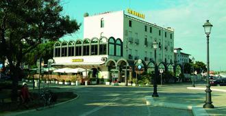 Hotel Miramare - Cesenatico - Edificio