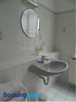 Pension Haus Marga - Wernigerode - Bathroom