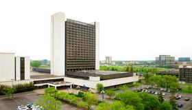 DoubleTree by Hilton Bloomington -Minneapolis South - Minneapolis - Building