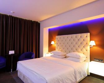 Lh Hotel & Spa - Lviv - Bedroom