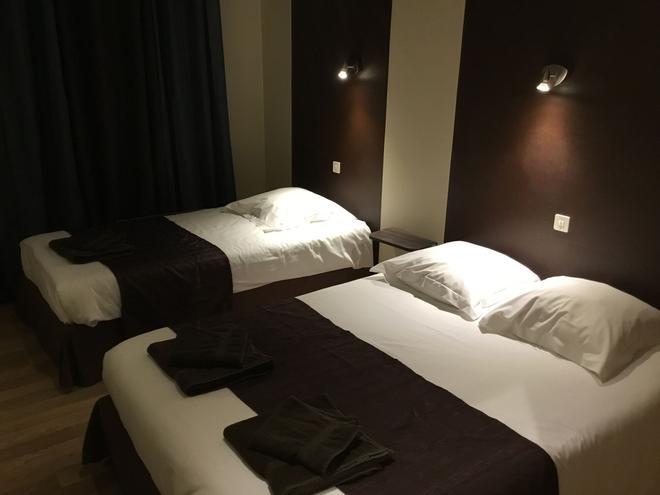 La Châtaigneraie - Uzer - Bedroom