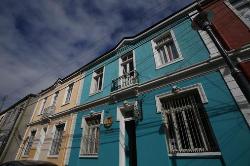 Puerta Escondida - Valparaíso - Rakennus