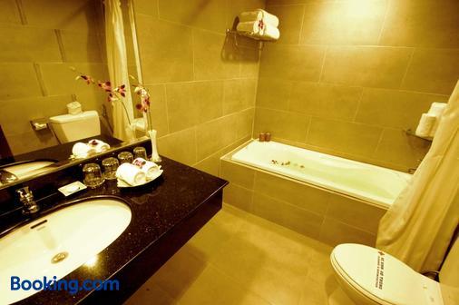 Asia Paradise Hotel - Nha Trang - Phòng tắm