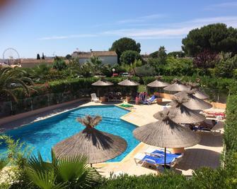 Hotel Hélios - Agde - Pool