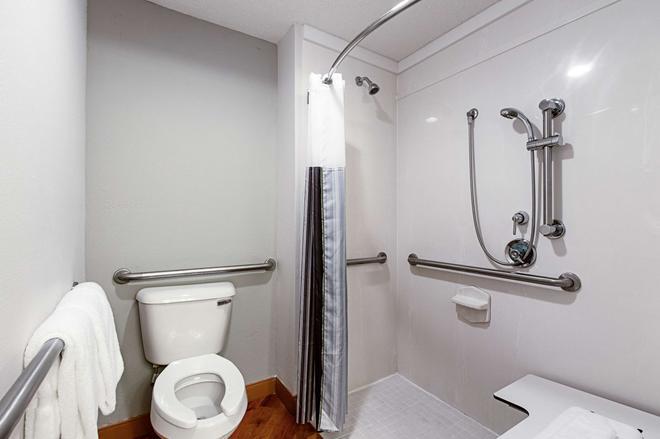勞德代爾堡塔馬瑞克東拉昆塔套房酒店 - 羅德岱堡 - 勞德代爾堡 - 浴室