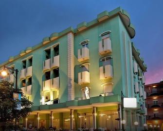 Hotel Serena - Gatteo - Building