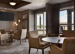 Microtel Inn & Suites by Wyndham Estevan - Estevan - Restaurante