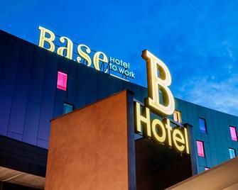 Base Hotel - Noventa di Piave - Building