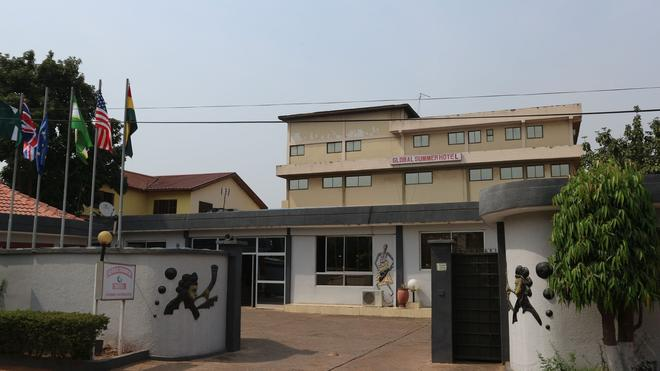 Global Summer Hotel - Accra - Building