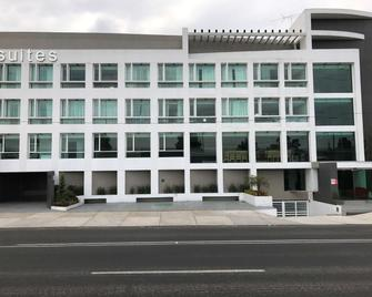 Best Western Plus Metepec & Suites - Toluca - Building