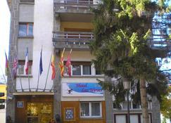 Hotel Las Nieves - Jaca - Rakennus