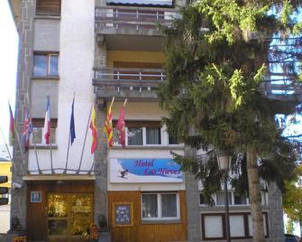 Hotel Las Nieves - Jaca - Building