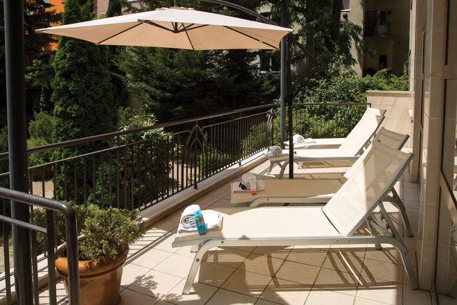Adina Apartment Hotel Budapest - Budapest - Balcony