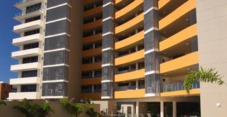 Monaco - Caloundra - Building