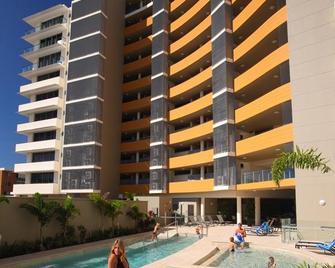 Monaco Caloundra - Caloundra - Building