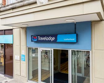 Travelodge Leatherhead - Leatherhead - Building