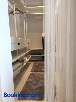 Montjuic Bed & Breakfast - Girona - Bathroom