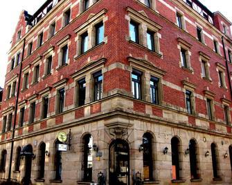 Hotel Five Seasons - Fürth (Bayern) - Building