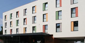 Impiq Hotel - Trnava - Edificio