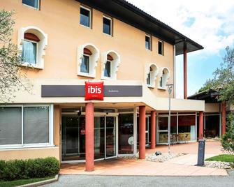 Ibis Aubenas - Aubenas - Building