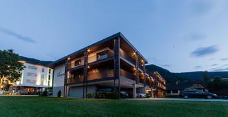 B&B Boutique Apartment Oberwiesen - Brunico - Edificio