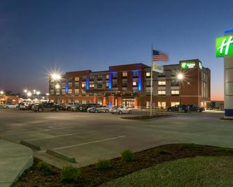 Holiday Inn Express & Suites Dodge City - Dodge City - Gebouw