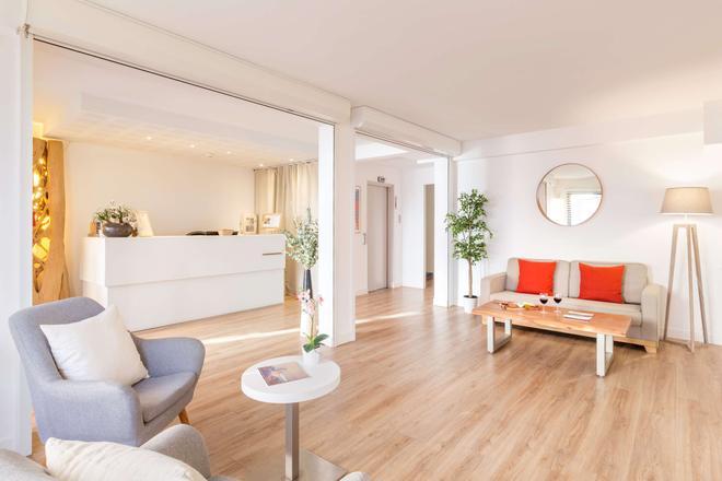 Best Western Kemaris - Biarritz - Living room
