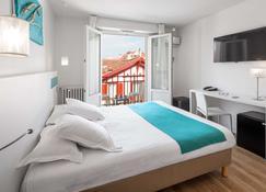 科馬利斯西佳酒店 - 比亞里茲 - 比亞里茲 - 臥室
