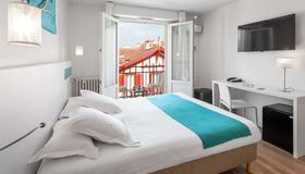 Best Western Kemaris - Biarritz - Bedroom