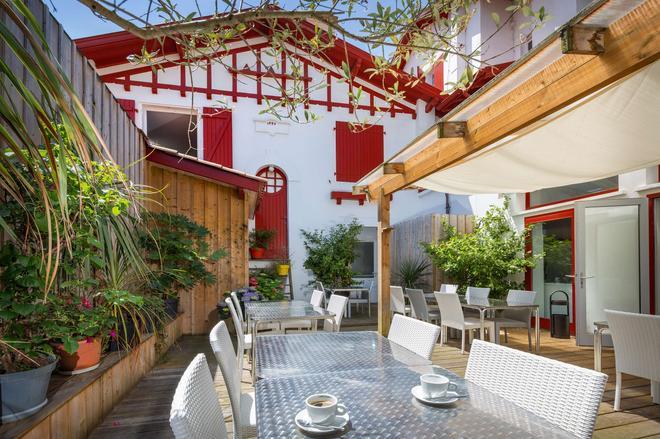 Best Western Kemaris - Biarritz - Patio