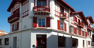Best Western Kemaris - Biarritz - Building