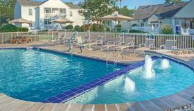 Wyndham Kingsgate Resort - Williamsburg - Uima-allas