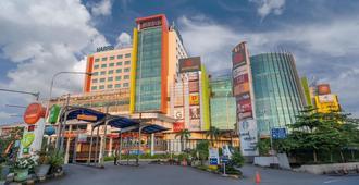 فندق هاريس وكونفنشن فستيفال سيتي لنك باندونغ - باندونغ
