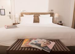 Hotel 96 - Marselha - Quarto