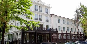 PARK HOTEL Bishkek - בישקק