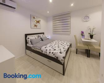 Apartments Aida - Mostar - Slaapkamer