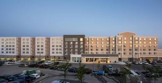 Fairfield Inn and Suites by Marriott Winnipeg - Winnipeg - Edifício