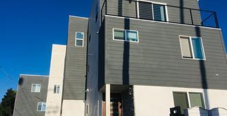 Los Angeles RoomRentals Pico del Mar - Los Angeles - Building