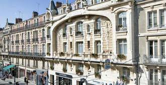 Best Western Hotel D'Arc - Orléans - Rakennus