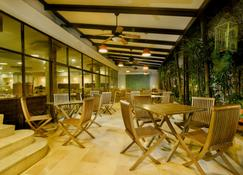 Howard Johnson Hotel Versalles Barranquilla - Barranquilla - Restaurant