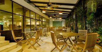 Howard Johnson Hotel Versalles Barranquilla - Barranquilla - Restaurant