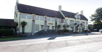 Fox & Goose, Barrow Gurney by Marston's Inns - Bristol - Building